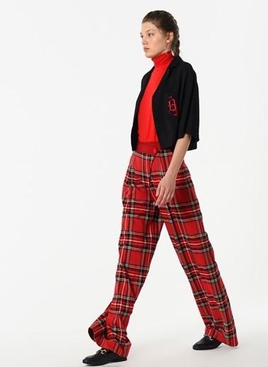 Özlem Kaya Pantolon Kırmızı